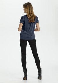 Soaked in Luxury - Basic T-shirt - navy - 4