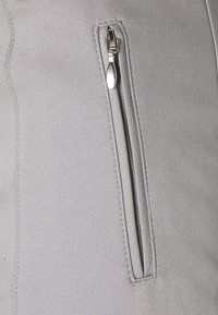 More & More - ORGANIC ZIP POCKET PANTS - Broek - new grey - 2
