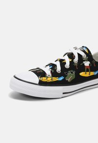 Converse - CHUCK TAYLOR ALL STAR OX UNISEX - Sneakers laag - black/multi/white - 6