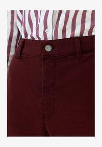 Scalpers - Flared Jeans - burgundy - 4