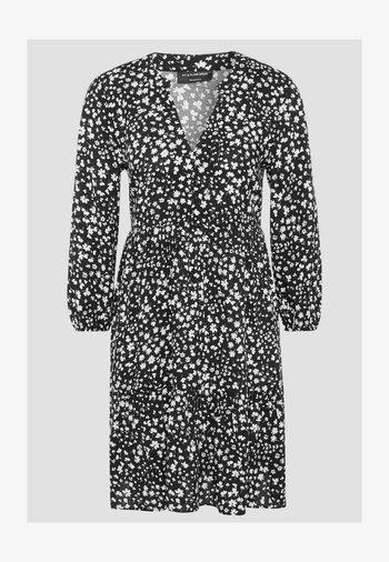 Day dress - black / white