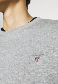 GANT - ORIGINAL C NECK - Sweatshirt - grey melange - 5