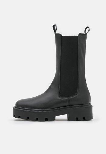 BIADANIELLE CHELSEA BOOT - Platform boots - black
