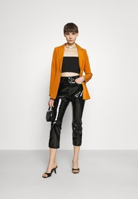 Missguided - SINGLE BREASTED - Short coat - mustard - 1
