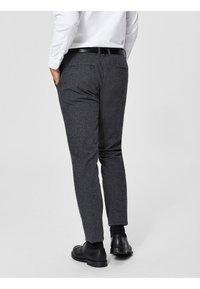 Selected Homme - Pantalón de traje - black - 2