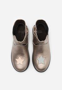 Camper - KIDS - Kotníkové boty - light beige - 3