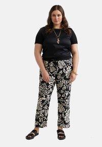 Fiorella Rubino - Pantalones deportivos - nero - 1