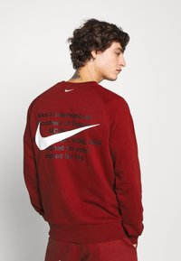 Nike Sportswear - Collegepaita - team red - 2