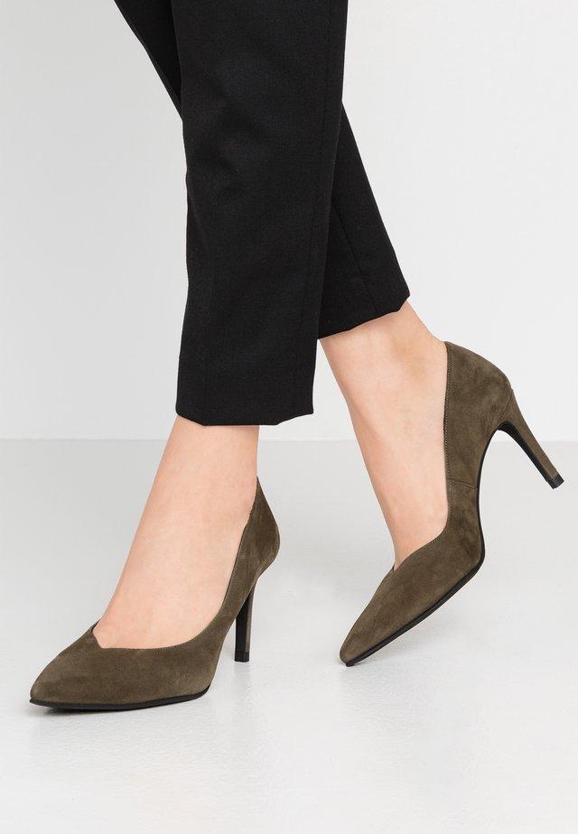 MINA - Classic heels - dehesa