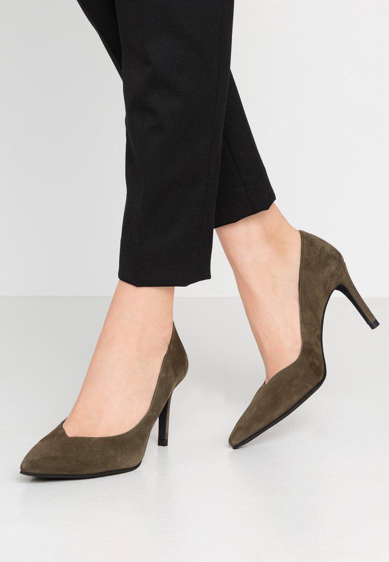Paco Gil - MINA - Classic heels - dehesa