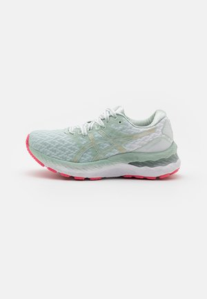 GEL-NIMBUS 23 SAKURA - Neutral running shoes - lichen rock/champagne