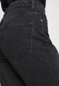 Topshop - MOM              - Straight leg jeans - washed black - 4