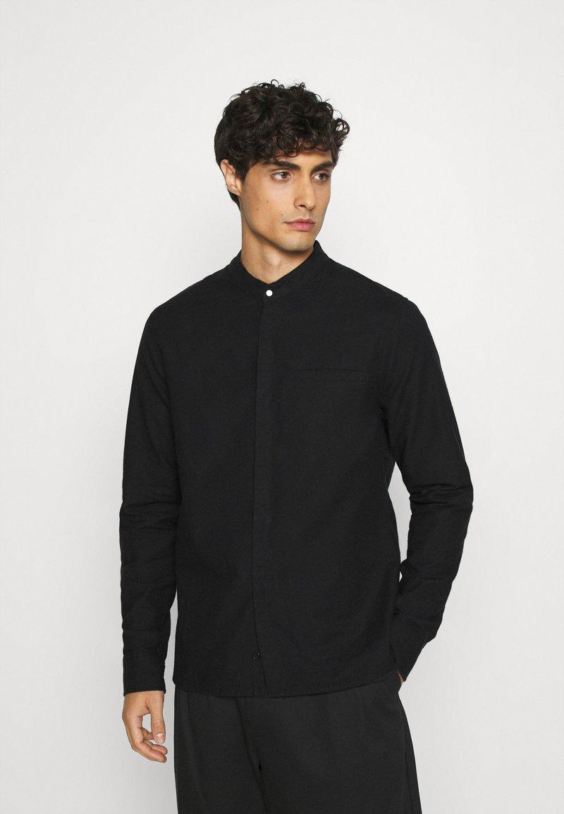 Tigha - PHARRRELL - Overhemd - black