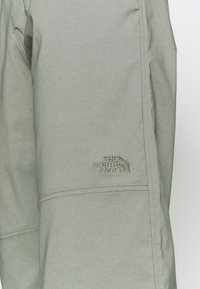 The North Face - CLASS JOGGER - Trousers - agave green - 6