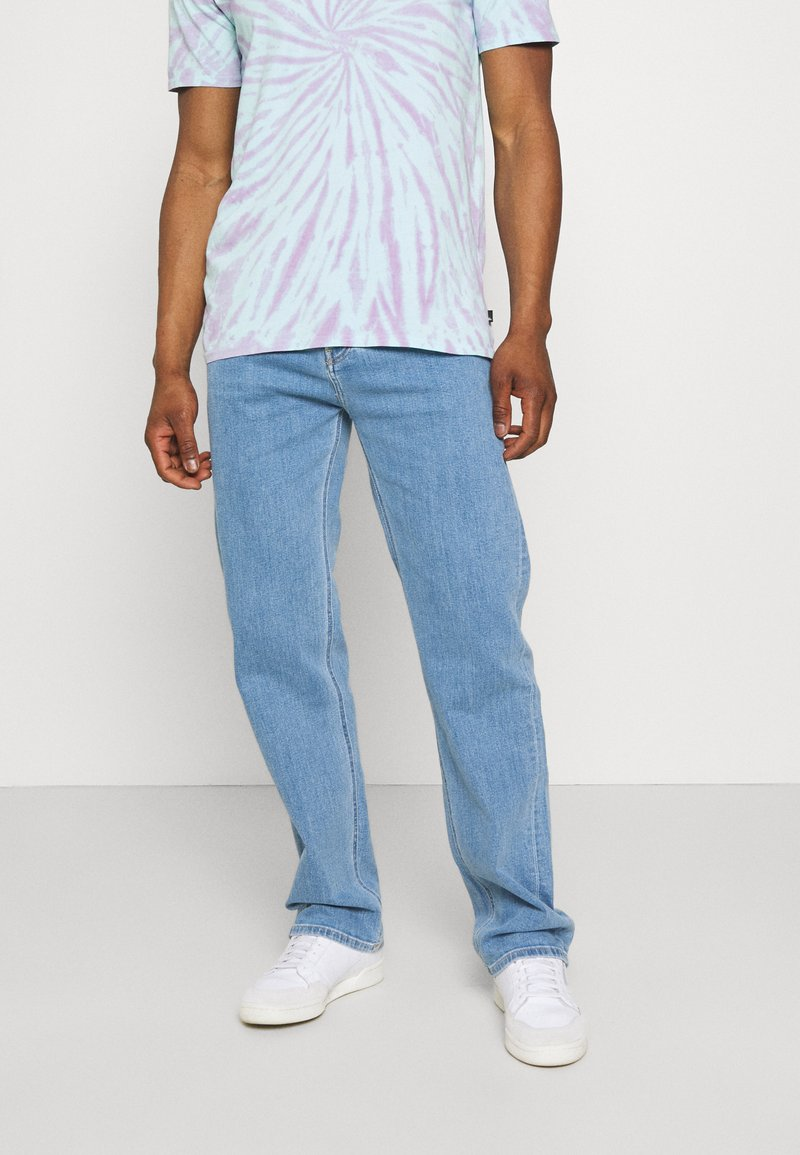 Calvin Klein Jeans - 90'S STRAIGHT LOGO WAISTBAND - Džíny Straight Fit - denim medium