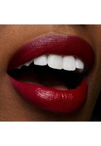 MAC - LOVE ME LIPSTICK - Lipstick - e for effortless - 4