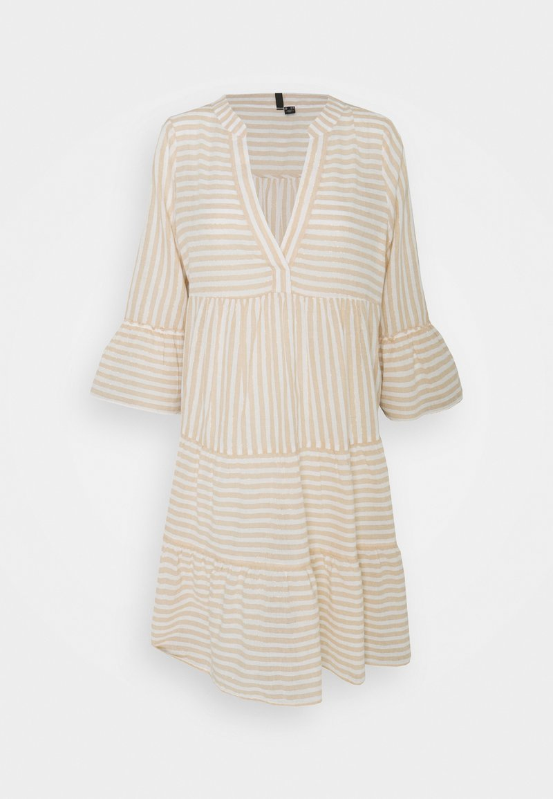 Vero Moda Tall - VMISABELL DICTHE 3/4 TUNIC - Day dress - snow white/gold