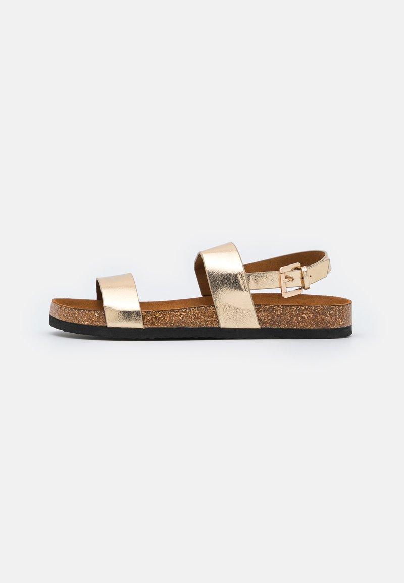 ONLY SHOES - ONLMAXI CROCK SLINGBACK - Sandales - gold