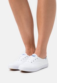 Keds - CHAMPION - Trainers - white - 0
