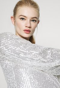 Missguided - BALLOON SLEEVE TIE BACK DRESS - Cocktail dress / Party dress - silver - 3