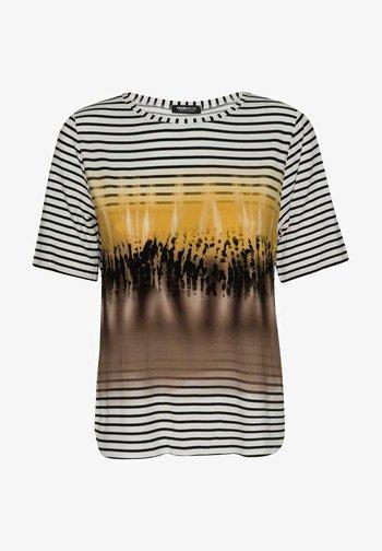 MIT EFFEKTVOLLEM PRINT - Print T-shirt - yellow