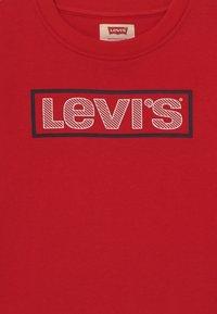 Levi's® - CREWNECK  - Sweatshirt - super red - 3
