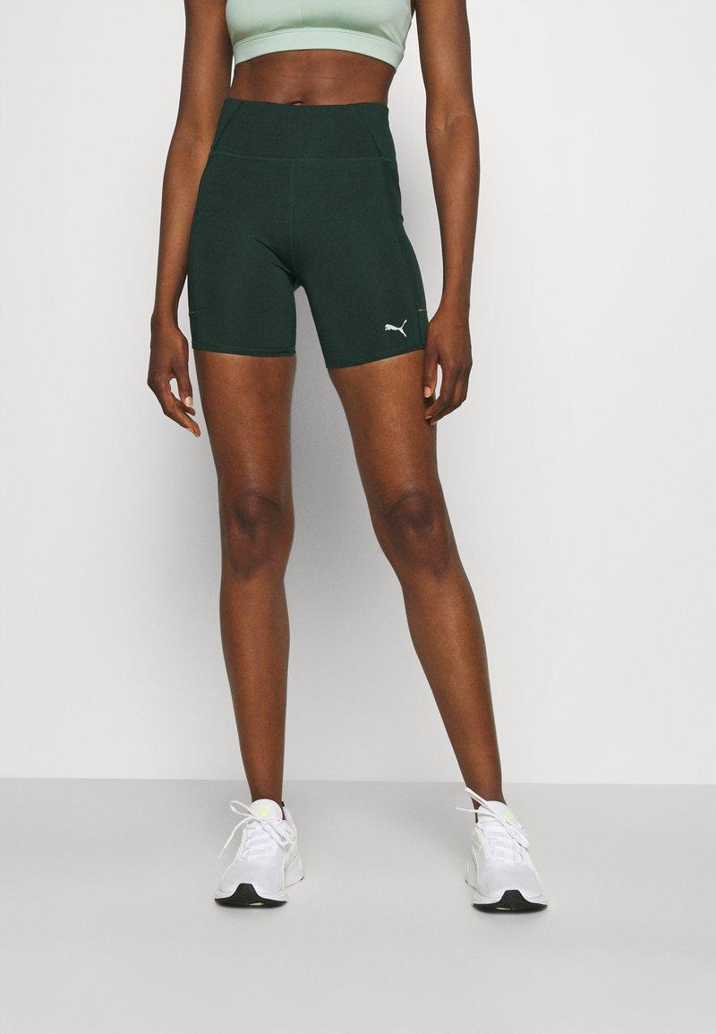 Puma - RUN FAVORITE SHORT - Legging - midnight green