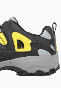 The North Face - M STEEP TECH FIRE ROAD - Sneakersy niskie - tnf black/lightning yelow - 5