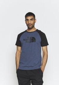 The North Face - RAGLAN EASY TEE - T-shirt med print - vintage indigo - 0