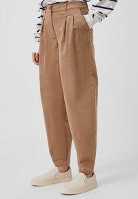 Finn Flare - Trousers - dark beige - 3