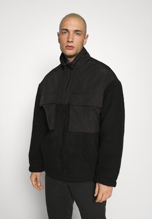 DOUBLE POCKET BORG ZIP THRU - Giacca leggera - black