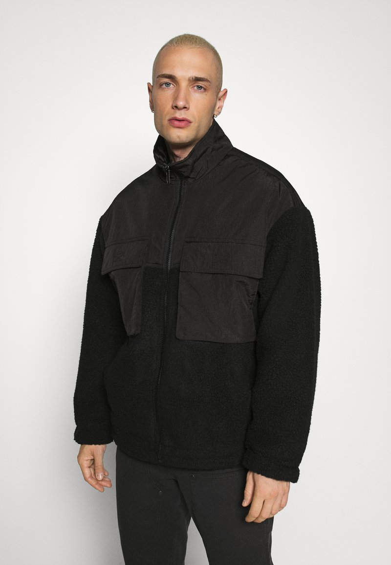 Mennace - DOUBLE POCKET BORG ZIP THRU - Summer jacket - black