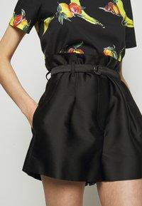 3.1 Phillip Lim - ORIGAMI  - Shorts - black - 3