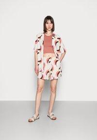 Carin Wester - KOLOA - Shorts - multi-coloured - 1