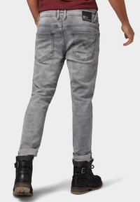 TOM TAILOR DENIM - CONROY - Jeans Tapered Fit - grey denim - 2