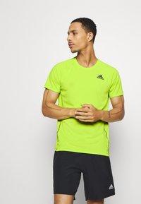 adidas Performance - ADI RUNNER TEE - T-shirt print - green - 0