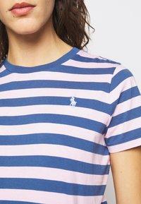 Polo Ralph Lauren - Camiseta estampada - garden pink/eart - 4