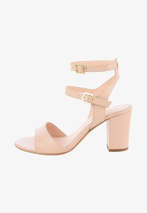 DELIA - Varrelliset sandaalit - nude