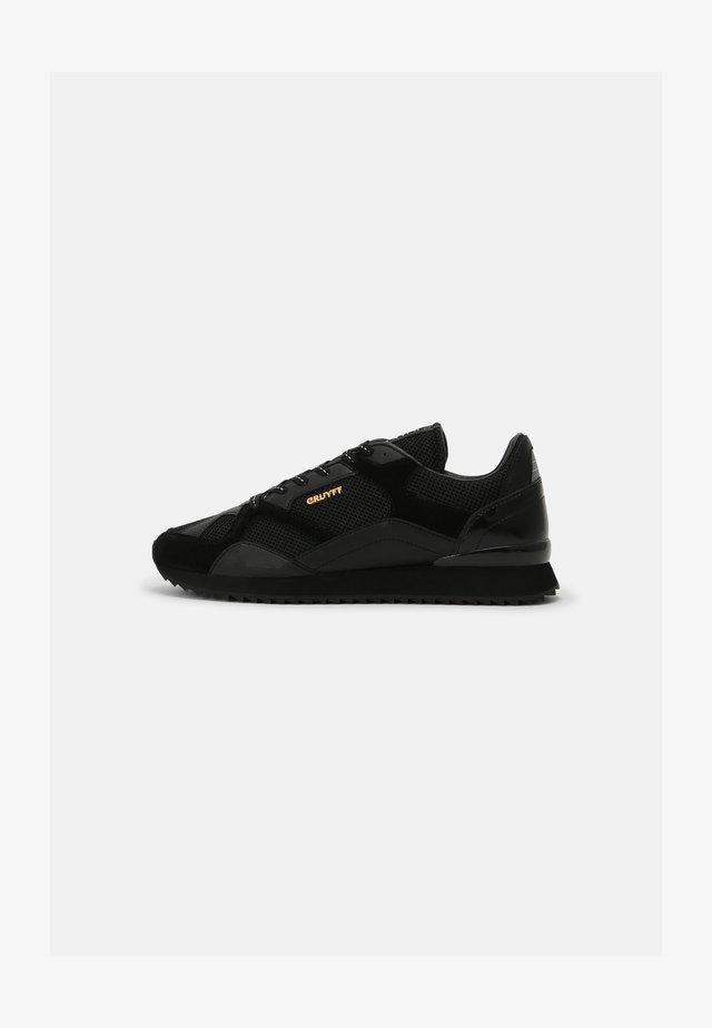 CATORCE - Zapatillas - black