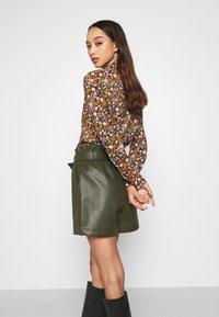 Scotch & Soda - SLIM FIT  - Button-down blouse - black/orange/lilac - 4