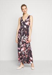 Anna Field - MAXI DRESS WITH PRINT - Maxi šaty - black/rose - 0