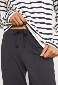 Marc O'Polo - CREW NECK SET - Pyjama set - anthrazit - 6