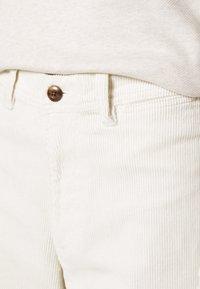 GAP - FULL LENGTH WIDE LEG - Trousers - off white - 4