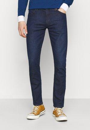 LARSTON - Slim fit jeans - rinse/shine