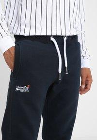 Superdry - Pantalones deportivos - eclipse navy - 3
