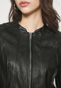 Vero Moda - VMBUTTERALBA COATED JACKET - Faux leather jacket - black - 5