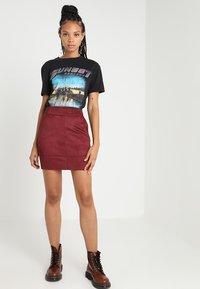 ONLY - ONLJULIE BONDED SKIRT - Mini skirt - chocolate truffle - 1
