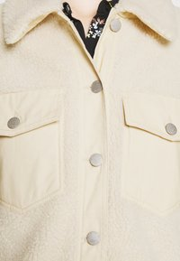 ONLY - ONLSANDY SHORT JACKET  - Winter jacket - pumice stone - 5