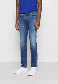 Tommy Jeans - SCANTON SLIM - Džíny Slim Fit - dynamic jacob mid blue stretch - 0