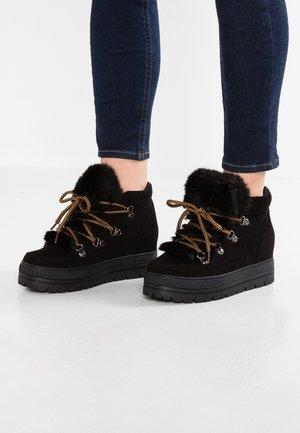 OSLO - Kotníková obuv - black
